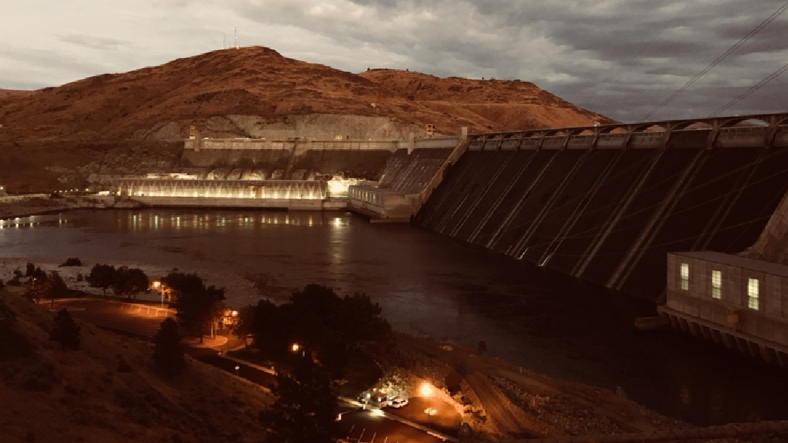 Grand Coulee Dam at Dusk